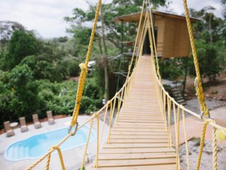 Tarzan Honeymoon Treehouse w/ Pool, Zipline - No clean fee!!