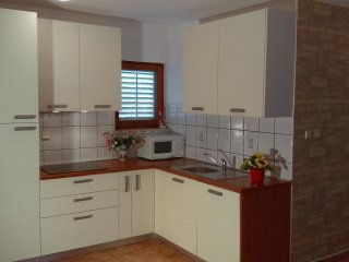 Apartment Lovro*** 20 met from beach, Starigrad-Paklenica