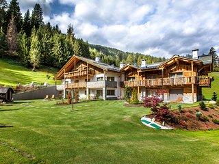 Alpine Mountain Chalet nel cuore delle Dolomiti