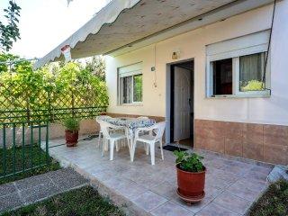 R84 Spacious apartment in Kallithea