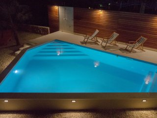 Villa Verandah - villa with heated pool idel for friends and families with kids, Trogir