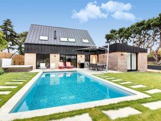 Maison neuve avec piscine près de Carnac