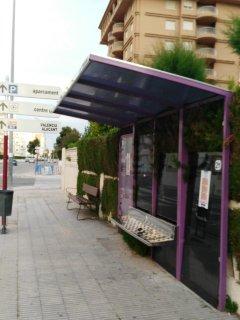 parada de bus (Marina Gandiense) junto a la urbanizacion