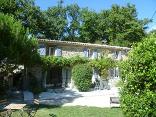 Les Beaux Chenes, old stonebuilt Mas, swimming pool,woodburner- 'St Maurice'