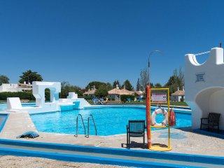 Daft Red Villa, Tavira, Algarve