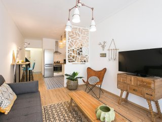 Boho Chic Apartment, Agia Sofia district