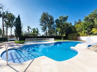 Large family house with pool, beach + close to golf with fibre optic Internet.