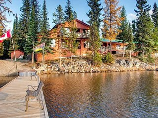 Charming Large 2 Bedroom Suite in Idabel Lake Resort, 2 Bathrooms. Hot Tub