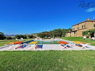 Elegant Villa Pienza with private pool, wine cellar and spa