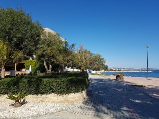 1b Ground floor garden apartment - Galatex Beach