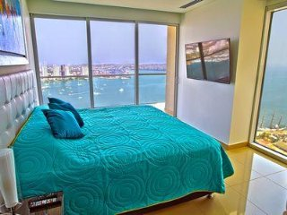 Hyatt H2 Penthouse★ 2 BR Corner Apt★Infinity Pool★ Best Address in Cartagena