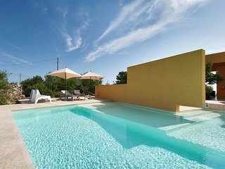 680 Luxury Villa with Pool in Manduria