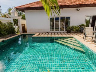 2 Bedroom Majestic Private Pool Villa Pratumnak