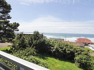 Great Ocean Views, Easy Beach Access Nearby, Beautiful Natural Surroundings