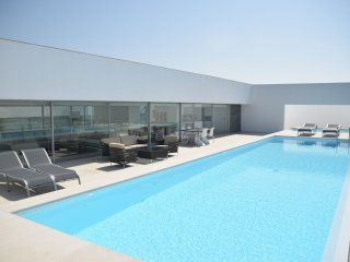 Villa Gonzalo - A highly modern, detached villa with private swimming pool, on the golf resort close to Obidos