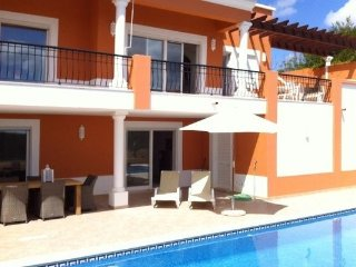 Baia do Sol - Luxurious 4 bedroom Villa with pool enjoying great views of Alvor & golfcourse.