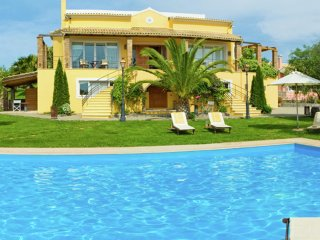 Villa Exclusive - Amazing beautiful, big luxe house, large swimming pool, gym, tennis court, Corfu