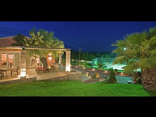 Villa Classic - Amazing beautiful, big luxe house, large swimming pool, gym, tennis court, Corfu, Danilia