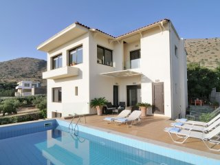 Villa Panorama - Beautiful, luxury villa, 6 (+2) people, private pool, overlooking Elounda Bay