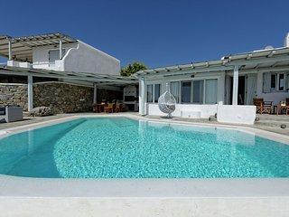 Villa Harmony - Beautiful large luxury villa, private pool, stunning views