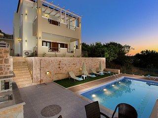 Petro Kampos Villa 2 - New beautiful big villa, private pool, near Panormo, NW
