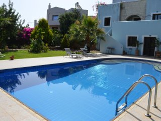 Villa Ioli - Large holiday house with large pool in small village near Rethymno