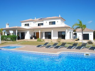 Cacela - Luxury villa with private pool, terrace, Wii and air conditioning, near Cacela Velha