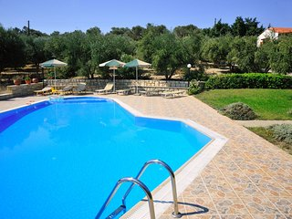 Villa Eleni en Manolis - 2 Villas with large private swimmingpool in 2 ha olive
