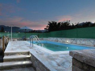 Villa Roula - Authentic stone build villa, renovated, private pool, Kalamitsi, Georgioupolis