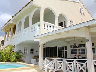Villa Allure - Mambo Beach - Luxury accommodation in a prime location with private pool on Curacao