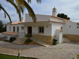 Casa Monte Cristo TOO - Luxury 5 bedroom Villa with private pool on Funchal Ridge near Lagos