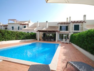 Casa Jardim - Luxury house with large garden, private pool in beautiful