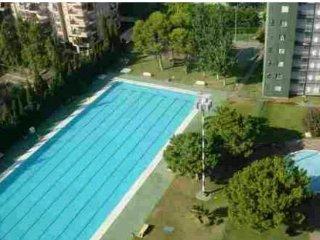 apartamento playa con piscina, columpios, complejo deportivo, princicassim lara
