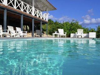 Villa Gentil - Boca Gentil - Villa with beautiful landscaped garden and swimming pool by the sea at Boca Gentil