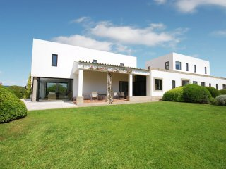 Villa Estevão - Modern villa with private pool and views to the south coast of Portugal, Santo Estevao