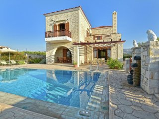 Villa Erofili - Beautiful stone villa, large private pool, Asteri, lots