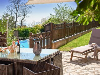 SunlightProperties VILLA MIRABELLE - Newly renovated family villa w private pool