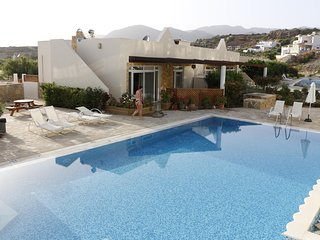 """Be Eleven""  Poolside Villa to relax in peaceful SE Crete"