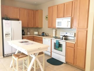 Charming 4 Bed/ 3 Bath + Game Room Townhome In Luxury Resort Of Coral Cay