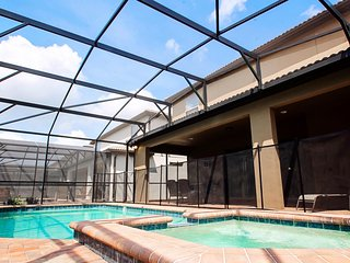8br/6ba Resort Villa- Near Disney -South Facing Pool