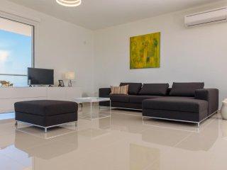 Luxury Seaside Villa Delfini 3