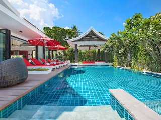 Villa Julia Koh Samui full services rental with cooking chef & staffs