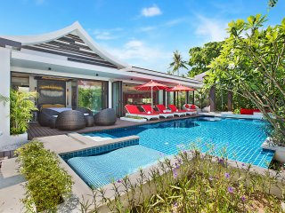 Villa Julia Koh Samui full services rental with cooking chef & staffs