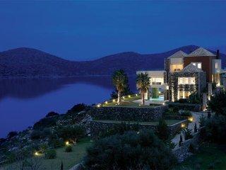 Luxury Villa with panoramic sea views, infinity pool and Jacuzzi, Elounda