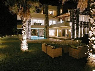 Luxury Villa with panoramic sea views, infinity pool and Jacuzzi