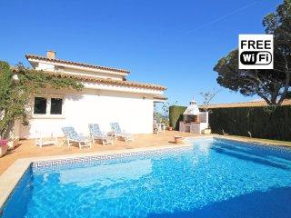 """Beautiful villa with private pool in L""""Escala"""