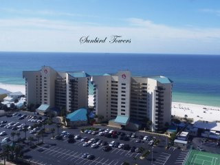 Oceanfront Condo with In-Unit Wifi, Low Weekly Rate