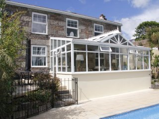 Cornish Cottage with Garden, Pool, & Fabulous South-Facing Country Views, Lanner