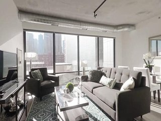2BR CHARMING TIMES SQUARE APT, Long Island City
