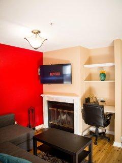 Real wood fireplace, Netflix / WIFI 40in TV